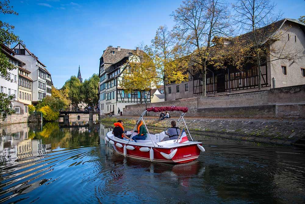 Balade : la Petite France à Strasbourg en bateau électrique