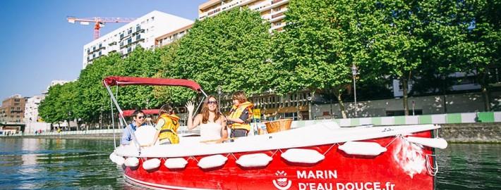 Balade en barque électrique à Paris