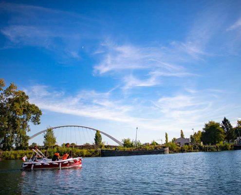 Balade sur l'Ill vers le coeur de Strasbourg en bateau électrique avec Marin d'Eau Douce