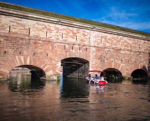 Le barrage Vauban à Strasbourg : à découvrir en bateau électrique