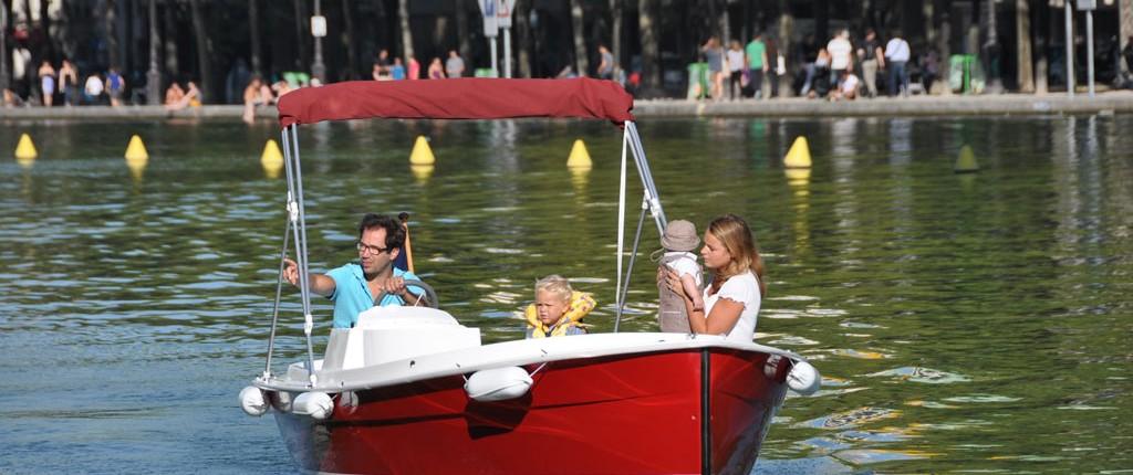 bateau sans permis : balade en famille