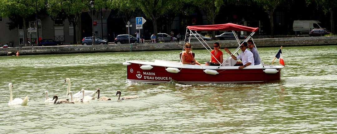 Canal de l'Ourcq, en pleine nature sur les bateaux sans permis Marin D'Eau Douce