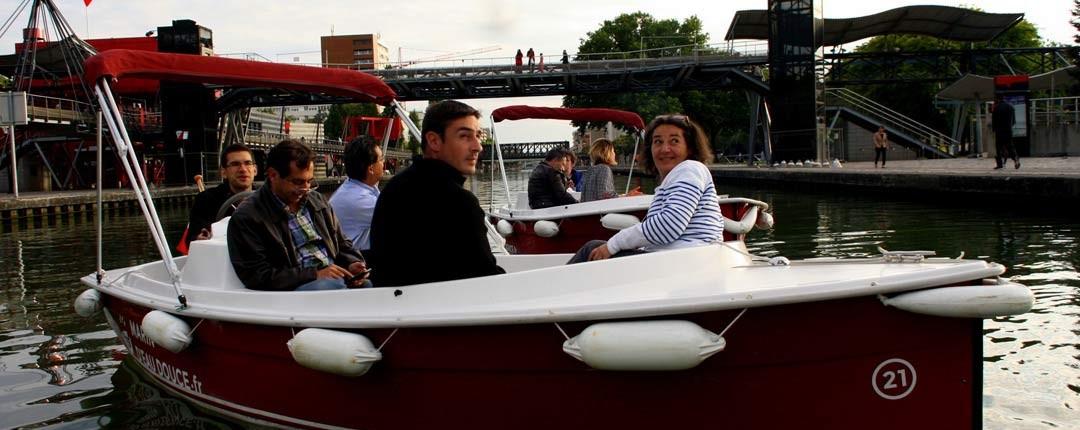 Baladez-vous entre amis à plusieurs bateaux pour l'apéritif