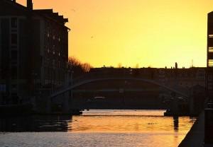 canal de l'Ourcq : pont de Crimée au coucher du soleil