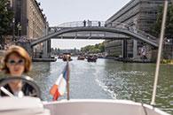 Découverte du pont de Crimée sur le canal de l'Ourcq