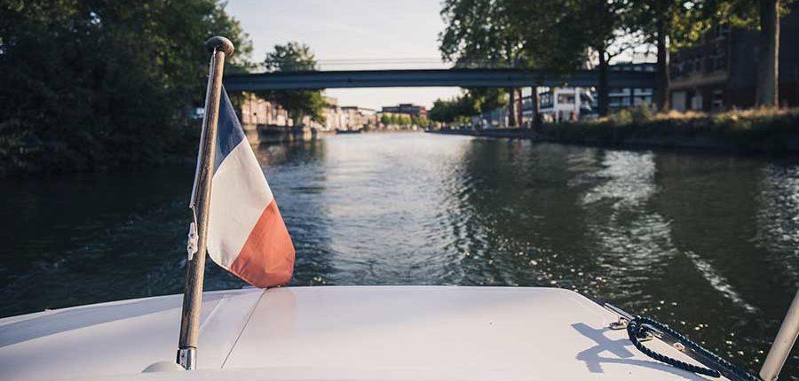 La Deûle : découvrir Lille et ses environs à bord d'un bateau sans permis
