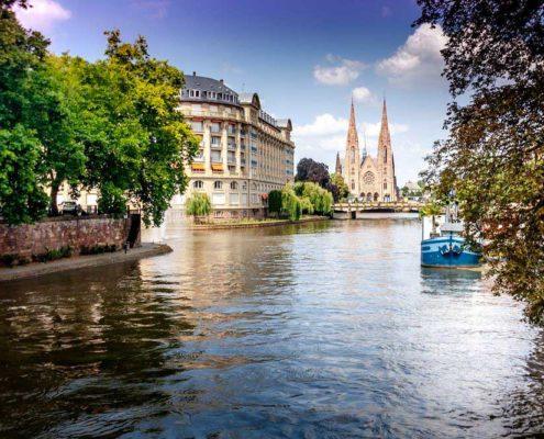 L'écluse 86 à Strasbourg : sur le canal Rhin-Rhône, près de la Petite France