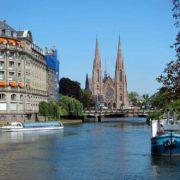 Naviguez sur l'Ill à Strasbourg à bord de nos bateaux électriques