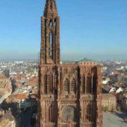 Visitez la cathédrale de Strasbourg après une promenade en bateau électrique sur l'Ill