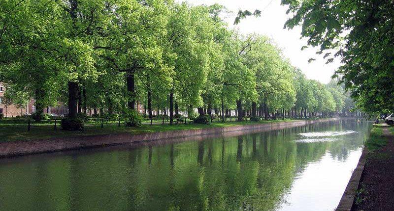Le canal de la Deûle traversant Lille