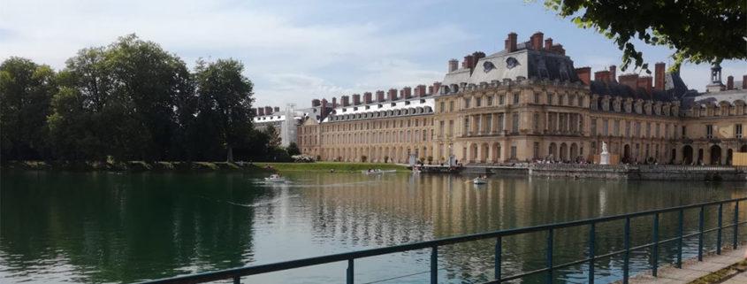 Location de barques sur l'étang aux carpes du château de Fontainebleau