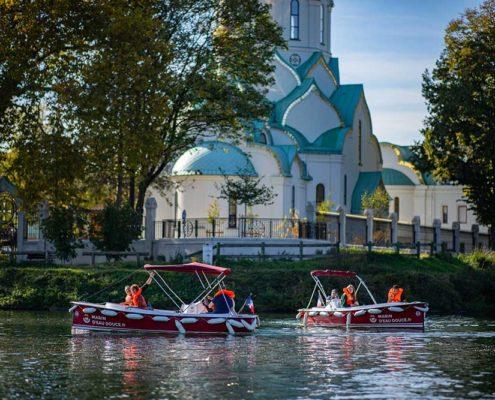 Balade historique aux abords de la Mosquée de Strasbourg : découverte de puis l'Ill en bateau électrique