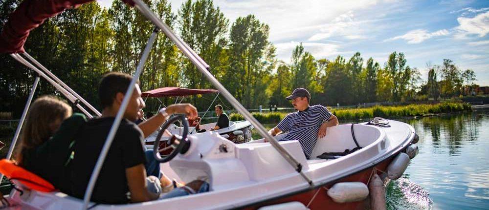Naviguez sur la Deule à bord de nos bateaux électriques