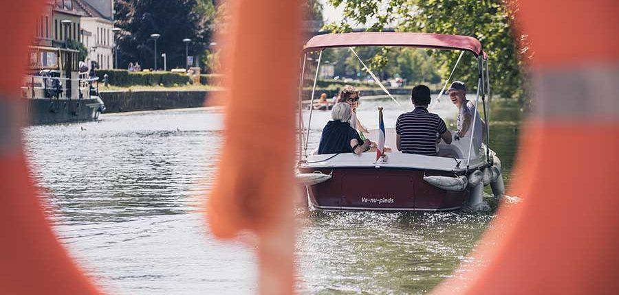 Découvrir Lille : parcours en bateaux électriques sans permis