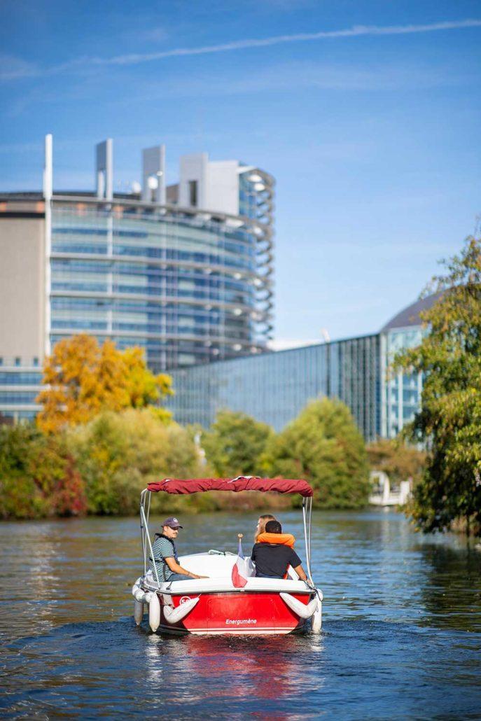Parlement européen de Strasbourg : le découvrir en bateau éectrique