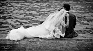 photo de mariage au bord de l'eau