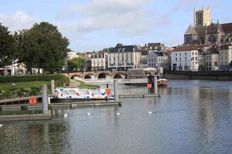 Centre historique de la ville de meaux marin d 39 eau douce - Piscine de meaux ...
