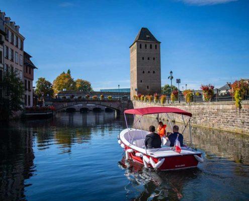Les ponts couverts de Strasbourg en bateau électrique