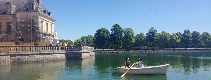 Naviguez sur l'Etang aux Carpes à Fontainebleau