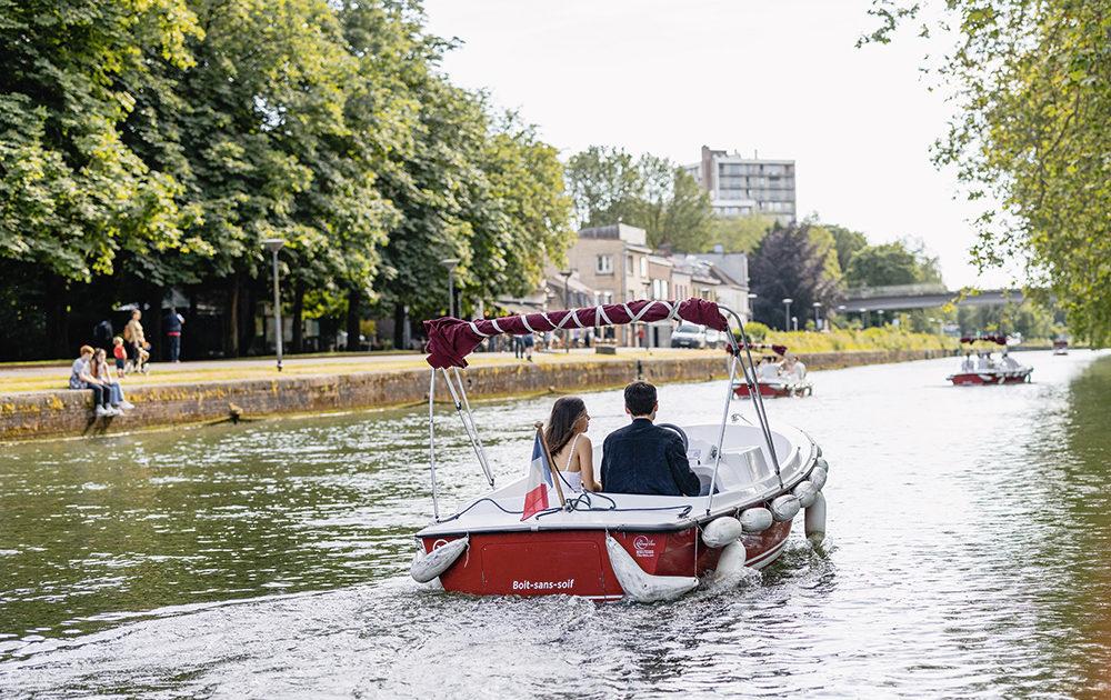 Base nautique Lille : Louez un bateau électrique sans permis à la Citadelle de Lille