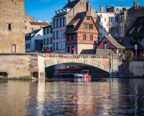 Consultez les temps de parcours pour une balade au coeur de Strasbourg, quartier de la Petite France, avec Marin d'Eau Douce